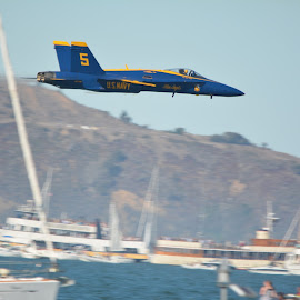 Low pass by blue angles SF 2014 by Yoni Godefa - Travel Locations Air Travel
