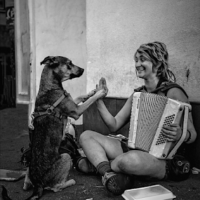 High Five by Doreen Rutherford - Black & White Street & Candid