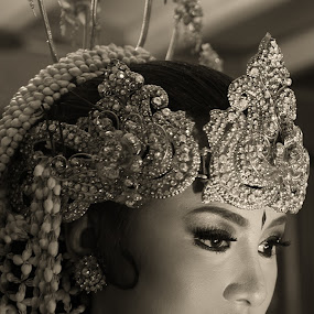 Sundanese Bride by Ahmat Supriyadhi - Wedding Bride ( indonesia, wedding, sundanese, bride, groom,  )