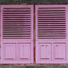 Window in its natural frame by Wim Swyzen - Buildings & Architecture Architectural Detail ( fassade, window, framed, pink, lombok )