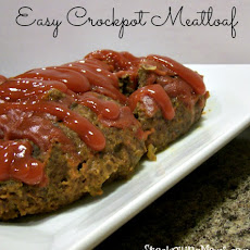Easy Crockpot Meatloaf