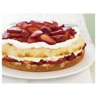 BREAKSTONE'S Sensational Creamy Strawberry Shortcake
