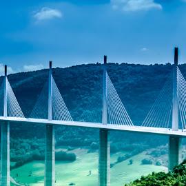 Viaduc de Millau by Miren Etcheverry - Buildings & Architecture Bridges & Suspended Structures ( aveyron, tarn, viaduc, france, millau )