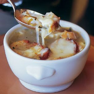 Riesling Onion Soup with Herbed Croutons