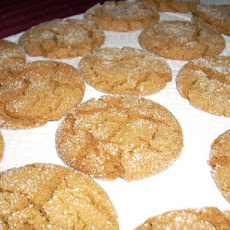 Crackle-Top Molasses Cookies