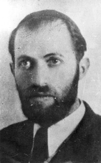 Menachem Begin as Rabbi Sassover from Hassidof neighborhood in Petah Tikva