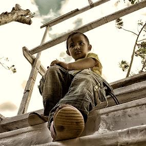 Mencoba jadi Model cilik by Hendra Edi Saputra - Babies & Children Child Portraits