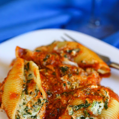 Cheesy Spinach Stuffed Shells