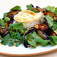 Toasted Goats' Cheese with Blackened Sherry-vinegar Onions