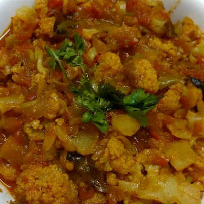 Cauliflower Tomato Curry