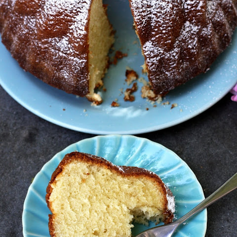 How To Make Classic Sour Cream Pound Cake