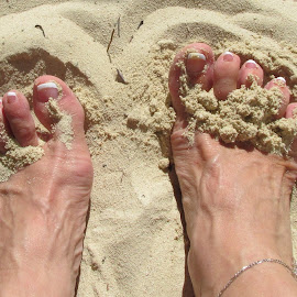 Cool Toes by Tina French - People Body Parts (  )