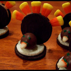 Oreo Turkeys (Thanksgiving Snack)
