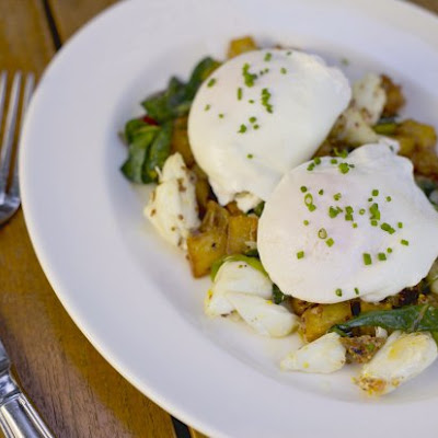 Jumbo Lump Crab Hash With Poached Eggs