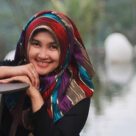 Senyummu mencerahkan pagi... by Adhi Susanto - People Portraits of Women