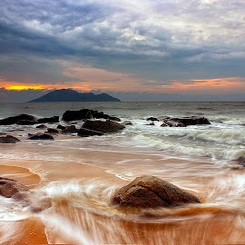 Flow by Dany Fachry - Landscapes Beaches ( waves, seascapes, beach, flow, rocks )