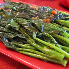 Blanched Gai Lan With Oyster Sauce (Chinese Broccoli)