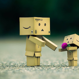 I love u mum by Nadia Saleh - Artistic Objects Toys ( #danbo )
