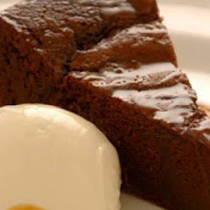 Soft Chocolate Cake With Caramel Sauce