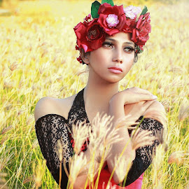 Autumn in my heart  by Malaikat Gadungan - People Portraits of Women