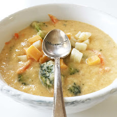 Skinny Broccoli Cheese Soup