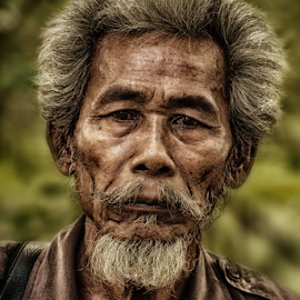 the oldman  by Raka  Rubby - People Portraits of Men