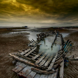 memory by Ed Marthin Rheg - Transportation Boats