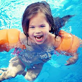 Pool fun by Lucia STA - Babies & Children Children Candids