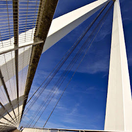 Sale water park bridge by Girish . - Buildings & Architecture Bridges & Suspended Structures ( canon, sunny, low angle, couple, lines, bridge, geometry,  )