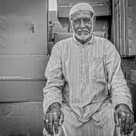 Old Man by Walid Ahmad - People Portraits of Men ( sony, dubai, people, photography, portrait, man )