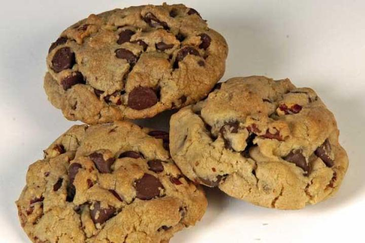 Pecan-Chocolate Chip Cookies