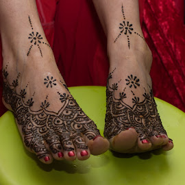 Henna feet by Jane McMenamin - People Body Art/Tattoos ( henna, hindu, decoration, wedding, feet,  )