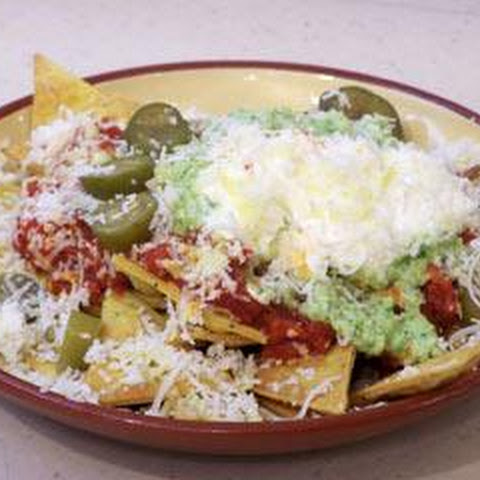 Nachos With Cauliflower Guacamole