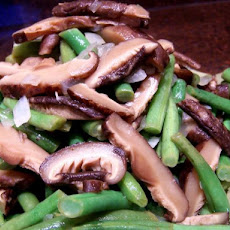Lemony Green Beans With Shiitake Mushrooms