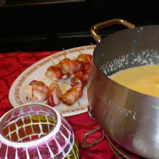 Cheddar Cheese Fondue (Courtesy of the Melting Pot)