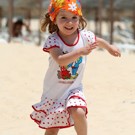 Beachfun by John Phielix - Babies & Children Children Candids ( child, laugh, sunny, beach, fun )