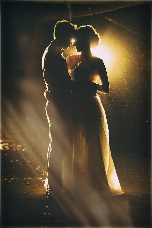 by Albin Bezjak - Wedding Bride & Groom