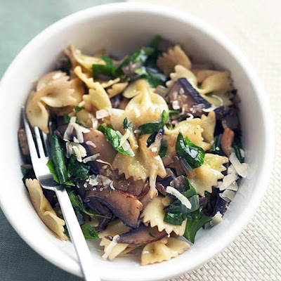 Bow-tie Pasta with Mushrooms and Spinach