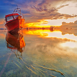 Waiting for Tide by Bayu Adnyana - Transportation Boats ( bali, semawang, sanur, sunrise, boat )