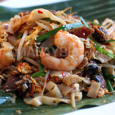 Char Kuey Teow Recipe (炒粿條/Penang Fried Flat Noodles)