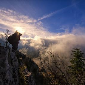 Le photographe by Darmé Doublesix - Landscapes Mountains & Hills ( mountain, montagne, soleil, photographe,  )