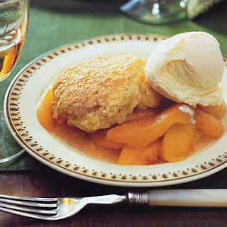 Peaches with Shortcake Topping