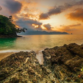Beauty from nature by Mulyadi AM - Landscapes Beaches ( orange, bolubolubeach, beach, sunrise, southmalang )