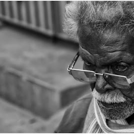 Angry man by Mohideen Basith - People Portraits of Men ( canon, streetphotography, canoneos60d, black and white, texture, #street, oldman, portrait, man )