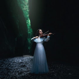 The Secret by Amy Booker - People Musicians & Entertainers ( music, oregon, violin, oneonta gorge, victorian, amybookerphotography, blue dress )