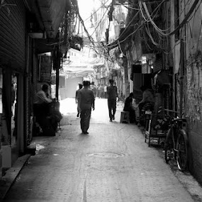 The walled city by Pranjal Jain - Black & White Street & Candid ( b&w, market, black and white, street, india, road, people, city, delhi, , Urban, City, Lifestyle )