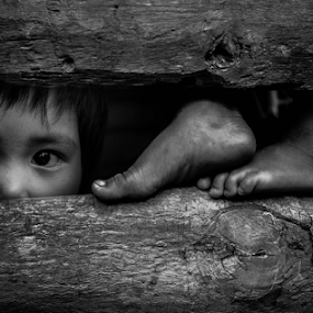 face and feet by Rajha Tahir - Black & White Portraits & People (  )