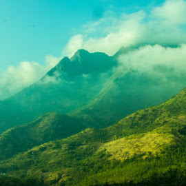 Kolugu Malai by Chandrasekar RC - Landscapes Mountains & Hills ( clouds, hill station, munnar )