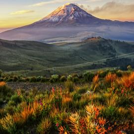 Sunrise with fog and volcano by Cristobal Garciaferro Rubio - Landscapes Mountains & Hills ( volcano, mexico, popocatepetl, flog, sunrise )