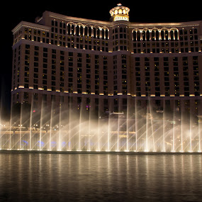 Bellagio Fountains by Brent Huntley - Buildings & Architecture Office Buildings & Hotels ( brentsfavoritephotos.blogspot.com, bellagio, fountains, d3100, show, travel, strip, landscape, photography, las vegas, nevada, casino, night, hotel, nikon )